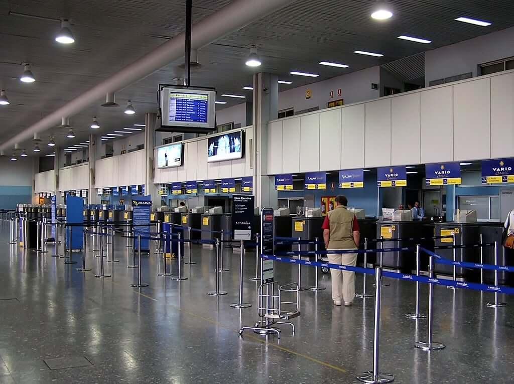Imigração no Uruguai: aeroporto de Montevidéu