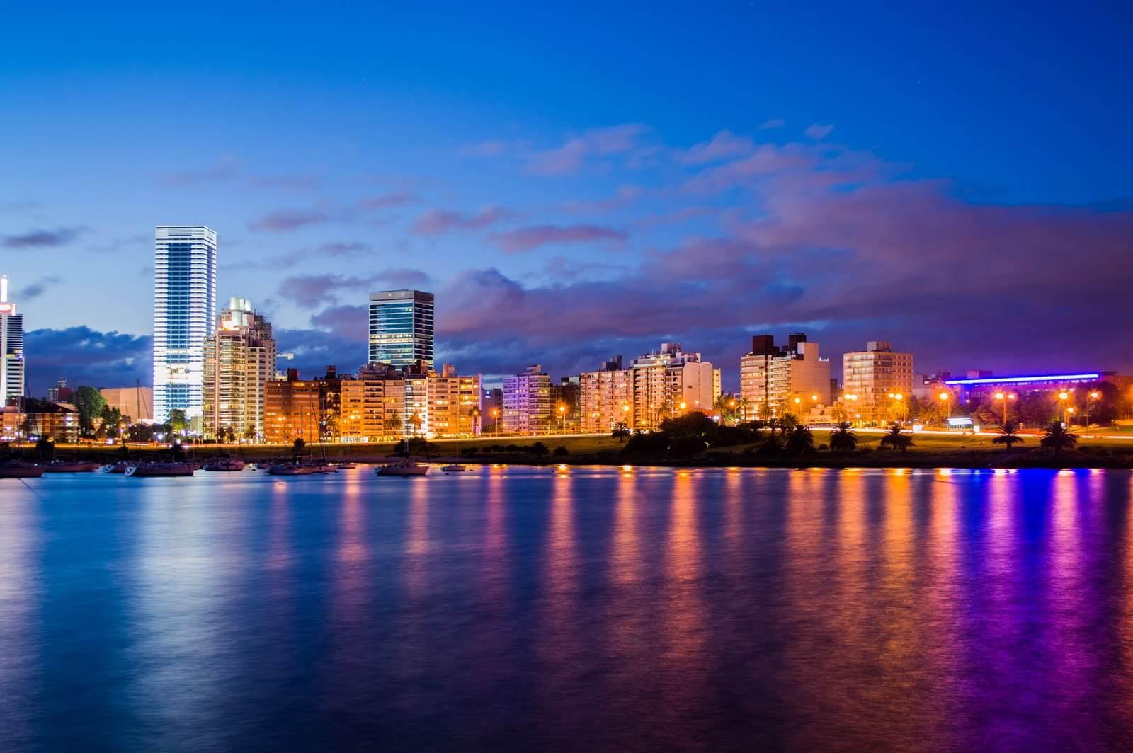 Fuso horário do Uruguai x Brasil: bairro Buceo em Montevidéu