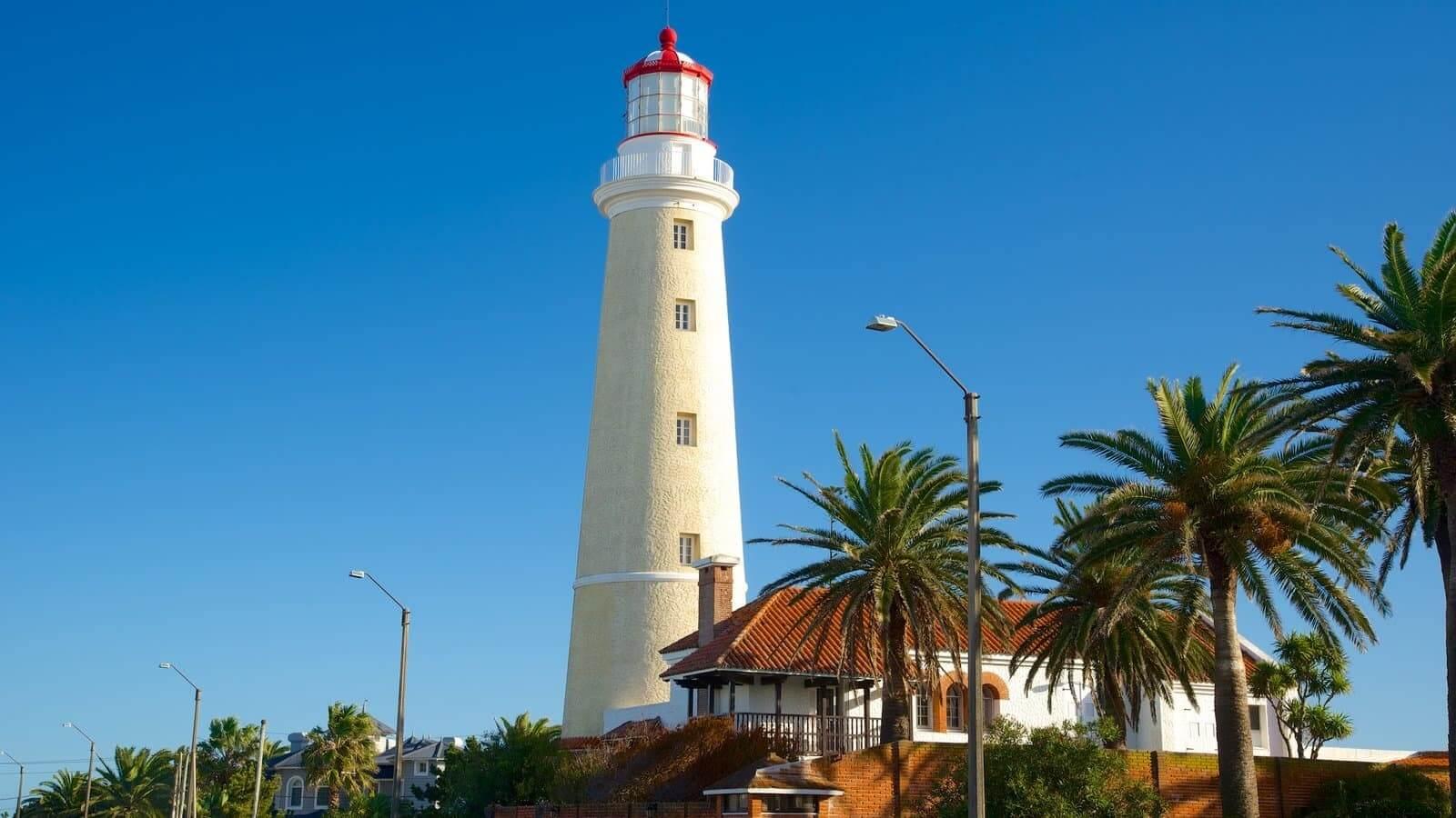 Passeios românticos em Punta del Este: Farol de Punta del Este