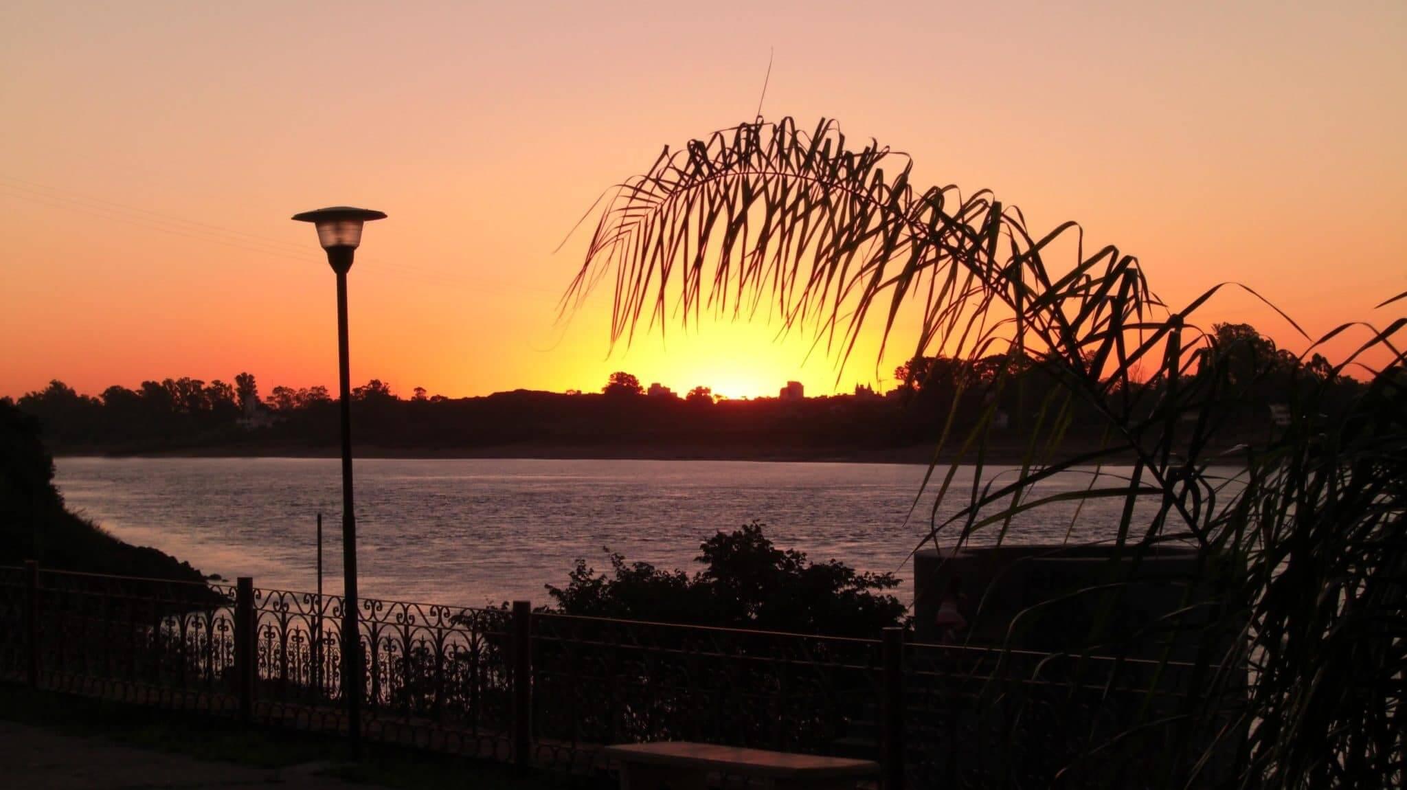 Fuso horário do Uruguai x Brasil: cidade Salto