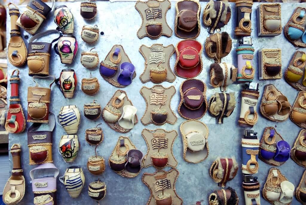 Limite e quantidade de produtos para trazer do Uruguai: souvenirs