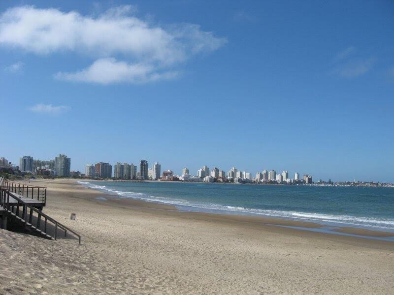 Praias em Punta del Este: Playa Brava