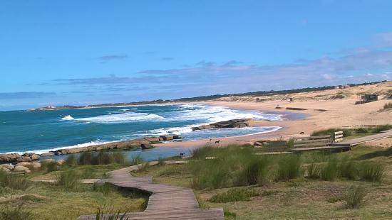 Praias no Uruguai: Playa de la Viuda em Punta del Diablo