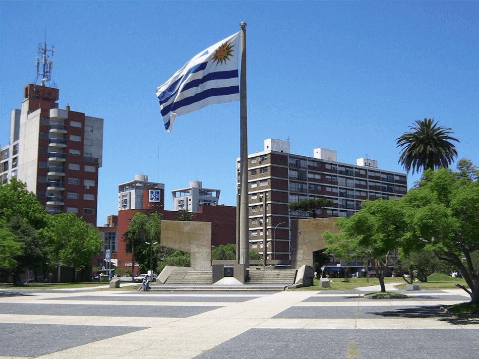 Que língua falam em Montevidéu: bandeira do Uruguai
