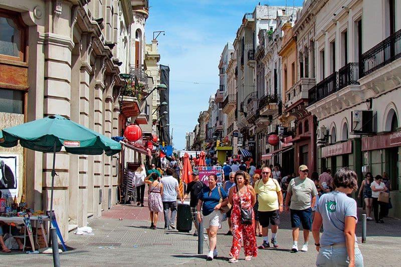 Como andar e se locomover em Montevidéu: andar a pé