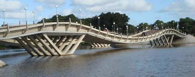 Roteiro de 8 dias no Uruguai: Puente de La Barra (ponte ondulada)