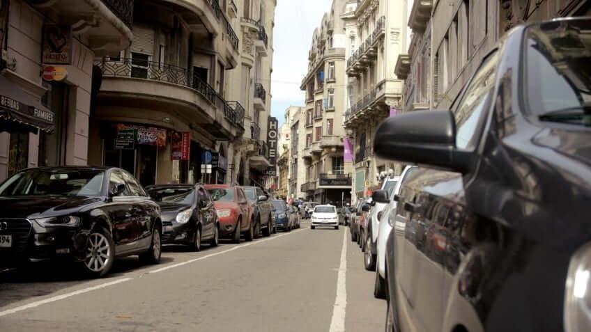 Como andar e se locomover em Montevidéu: carro