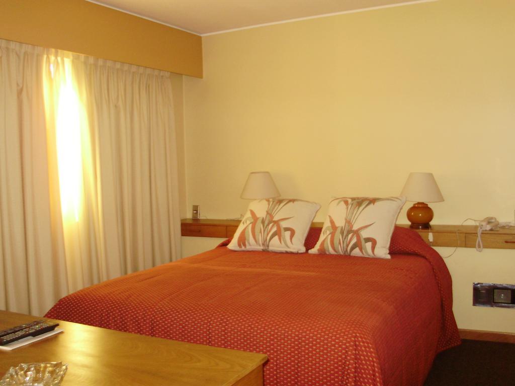 Hotéis no centro turístico de Montevidéu: Hotel Klee - quarto